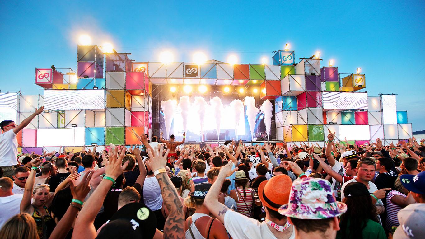 картинки фестиваль песен популярность ютубе